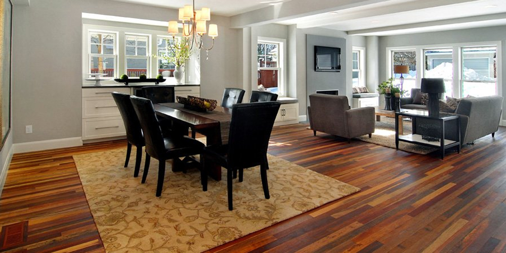 Read more about the article Pros of Hardwood vs Carpet